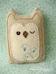 felt owl by Aimee Ray