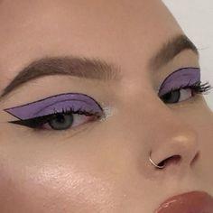 Edgy Makeup, Makeup Eye Looks, Eye Makeup Art, Cute Makeup, Pretty Makeup, Skin Makeup, Makeup Inspo, Eyeshadow Makeup, 60s Makeup