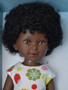 Realistická panenka černoška Paulina v letních  šatech od firmy Vestida de Azul