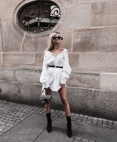 Keep it classy ♡ discovered by Evi.Mita on We Heart It Classy Outfits, Trendy Outfits, Summer Outfits, Cute Outfits, Fashion Poses, Fashion Outfits, Womens Fashion, Fashion Fashion, Camisa Oversized