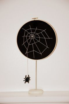 CIY: Crate and Barrel Inspired Mirror - Happiness is...Creating Levitation Photography, Abstract Photography, Macro Photography, Photography Tricks, Experimental Photography, Fall Halloween, Halloween Crafts, Toilet Paper Art, Halloween Embroidery