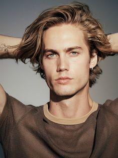 Medium Length Hair Men, Medium Hair Styles, Long Hair Styles, Beautiful Boys, Gorgeous Men, Blonde Model, Blonde Male Models, Blonde Hair Male, Blonde Boys