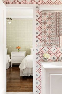 Katie Couric just sold her wallpaper-filled Upper East Side apartment, and we're digging the patterns that grace the beloved news broadcaster's former walls. Peek inside Couric's light-filled and spacious Park Avenue home here. Park Avenue Apartment, New York City Apartment, Vienna House, Open Kitchen Layouts, Bike Room, Staff Room, Katie Couric, Upper East Side, Celebrity Houses