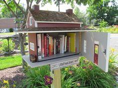 Little_Free_Library,_Easthampton_MA.jpg Love these charming free library boxes. Little Free Libraries, Little Library, Free Library, Library Books, Library Ideas, Library Design, Library Inspiration, City Library, Lending Library