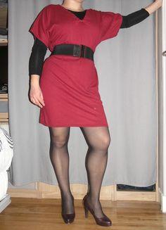 A vendre sur #vintedfrance ! http://www.vinted.fr/mode-femmes/autres-robes/19842002-robe-pull-avec-des-trass-sut-le-col