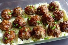Bacon Cheeseburger Meatballs on delicious Mashed Potatoes! Drizzle of olive oil 1 large onion, chopped 1 pkg bacon, cooked till crispy and diced up Beef Dishes, Food Dishes, Main Dishes, Hamburger Dishes, Side Dishes, Appetizer Recipes, Dinner Recipes, Appetizers, Dinner Ideas