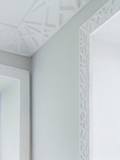 Great Moldings! Linear architrave and cornicing