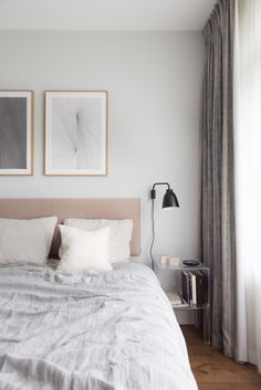 A pale color palette is an excellent way to create a relaxing, soothing atmosphere in the bedroom. Discover our linen bedding collection in light gray >> Decor, Relaxing Bedroom, Modern Cozy Living Room, Winter Bedroom, Bed Linen Design, Bohemian Style Bedrooms, Bedroom Decor, Grey Linen Bedding, Home Decor
