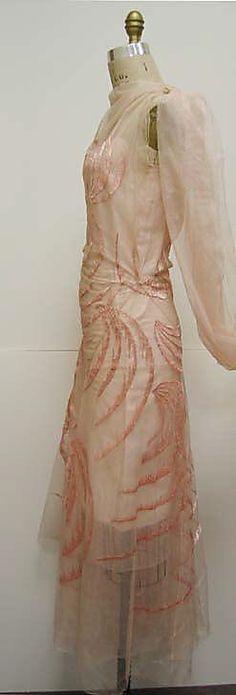 Evening dress Madeleine Vionnet (French, Chilleurs-aux-Bois 1876–1975 Paris) Date: ca. 1929 Culture: French Medium: silk. Sideways