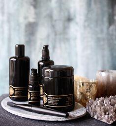 Les crèmes modèles de May Lindstrom Skin http://www.vogue.fr/beaute/buzz-du-jour/diaporama/cremes-soin-peau-may-lindstrom-skin/20093#!les-cremes-modeles-de-may-lindstrom-skin