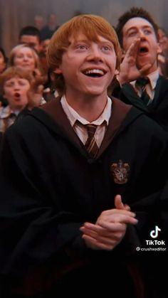 Weasley Harry Potter, Cute Harry Potter, Harry Potter Feels, Harry James Potter, Harry Potter Aesthetic, Harry Potter Characters, Harry Potter World, Percy Jackson, Avalanche Slime