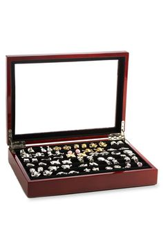 Free shipping and returns on Ravi Ratan Oak Cuff Link Box at Nordstrom.com. A glass-top case crafted from solid oak stores and showcases up to 36 pairs of cuff links.