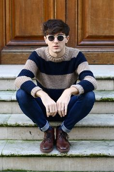 Round sunglasses // brown hair // mens fashion // skinny jeans // boots // steps // stripey jumper // autumn // spring // lookbook