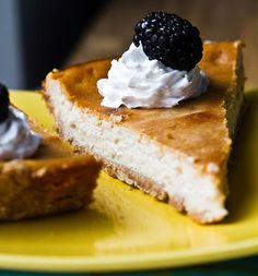 Custard-Style Vegan Cheesecake vegan, makes about one cheesecake Vegan Pie, Vegan Cheesecake, Pumpkin Cheesecake, Cheesecake Recipes, Vegan Treats, Healthy Desserts, Delicious Desserts, Yummy Food, Vegan Sour Cream