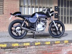 Honda XBR 500 by Cafe Racer Bikes