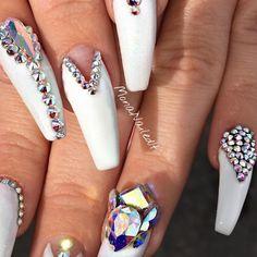 "503 Likes, 8 Comments - Arizona Nails | Mesa📍🌵 (@monanailedit) on Instagram: ""These remind me of Frozen❄️✨ #nailsinaz #aznails #nails2inspire #notd #WhoDoesYourNails #nailart…"""