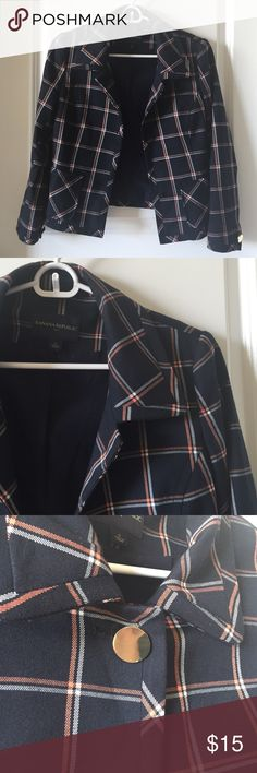Banana Republic Plaid Blazer Banana Republic plaid blazer with gold buttons. Fully lined and has two front pockets. Two buttons need to be replaced, which is reflected in the price. So cute and perfect for work. Banana Republic Jackets & Coats Blazers