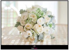 all white roses bride's bouquet.  borterwagner photography       borterwagner.com