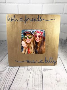 Personalized Picture Frame, Best Friends Frame, Besties, Friends Frame, Gift for Best Friend by GIFTABLEINC on Etsy https://www.etsy.com/listing/523443142/personalized-picture-frame-best-friends