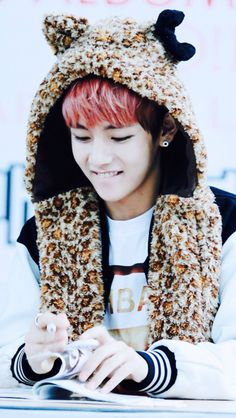 I cannot resist his cuteness!!!  Bangtan - V (Taehyung)