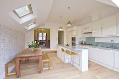 New Kitchen Open Plan Island Benches Ideas Kitchen Family Rooms, Living Room Kitchen, New Kitchen, Dining Room, Long Kitchen, Kitchen Interior, Kitchen Decor, Extension Veranda, Open Plan Kitchen Dining Living