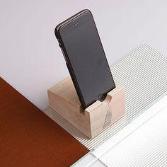 iPhone Dock - Pink - alt_image_three