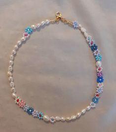 Bead Jewellery, Beaded Jewelry, Jewelery, Jewelry Necklaces, Diy Beaded Bracelets, Beaded Rings, Colorful Bracelets, Handmade Bracelets, Jóias Body Chains