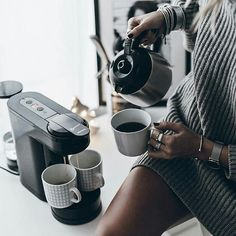 """""""Middle of the week, lazy day""""😌 #studio#basic#greyismyfavoritecolor#knitdress#coffeelovers"""