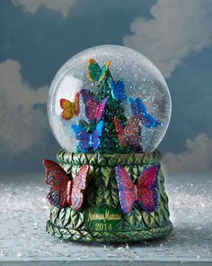 2014 Neiman Marcus Christmas Snowglobe by NM EXCLUSIVE at Horchow. #HorchowHoliday14