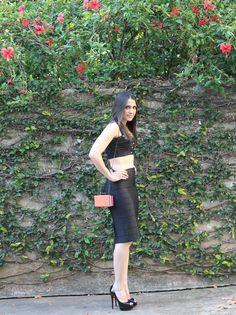Blog Caca Dorceles. 2014. Meu Look: Cropped com saia lápis de bandagem. Afghan cropped + Tigresse pencil skirt + Christian Louboutin peep toe + Zara bag.