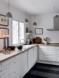 Incredible Tiny Kitchen Design Ideas For Awesome Small Home Diy Interior, Kitchen Interior, New Kitchen, Kitchen White, Neutral Kitchen, Kitchen Colors, Interior Design, Glass Kitchen Cabinets, Upper Cabinets