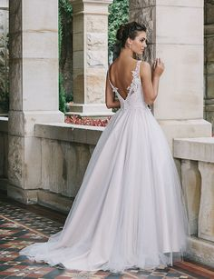dc44cdc9c76 All about the back  11 stunning wedding gowns