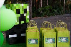 Bolsas de regalo para una fiesta minecraft / Minecraft party gift bags
