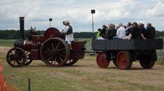 La locomotion en fête: machines agricoles et automobiles