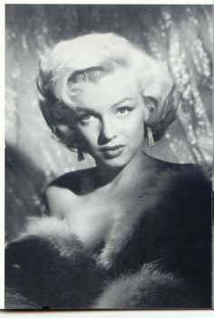 Marilyn Monroe Photoblog : My daily personal selection of rare photos of Marilyn Monroe.