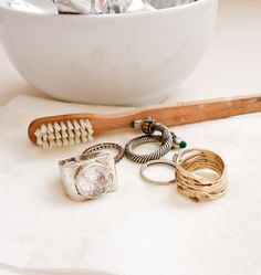 Just tried this, and it works better than any jewelry store that's ever cleaned my ring!