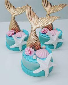 No photo description available. Mermaid Theme Birthday, Girl Birthday, Birthday Parties, Little Mermaid Parties, The Little Mermaid, Mermaid Cupcakes, Mermaid Baby Showers, Chocolate Covered Oreos, Cupcake Cakes