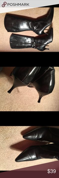 Donald J. Pliner Leather Black Low Heeled Boots S7 Great Condition. Sz 7 M. Full Zippers. Leather Soles & Uppers. Low Kitten Heels Donald J. Pliner Shoes Heeled Boots