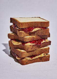 Who knew there could be so many opinions about three ingredients? We talked to 6 chefs about how they make the perfect peanut butter and jelly sandwich. English Tea Sandwiches, Tee Sandwiches, Cucumber Tea Sandwiches, Sandwich Pictures, Food Pictures, Tea Recipes, Dessert Recipes, Peanut Butter Sandwich, Food Themes