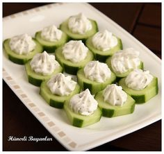 Haydari on Cucumber Slices by hunerlibayanlar - Essen und Trinkenn Food Design, Turkish Recipes, Italian Recipes, Food Test, Savoury Dishes, Creative Food, Food Presentation, Diy Food, Healthy Snacks