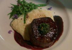 Blesbok fillet, garden peas and Cumberland sauce. Filet Mignon Steak, Meat, Garden, Food, Kitchens, Garten, Lawn And Garden, Essen, Gardens