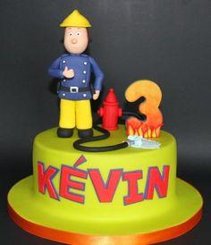 To the rescue! Thomas Birthday, Boy Birthday, Third Birthday, Birthday Ideas, Fireman Sam Cake, Fireman Party, Baby Boy Cakes, Cakes For Boys, Beautiful Cakes