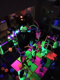Most Pinned Glow in the Dark Birthday Party Ideas for Kids - Birthday Ideas - Grandcrafter - DIY Christmas Ideas ♥ Homes Decoration Ideas Dance Party Birthday, Neon Birthday, Birthday Party Snacks, 13th Birthday Parties, Birthday Party For Teens, 16th Birthday, Birthday Wishes, Birthday Ideas, Glow In Dark Party