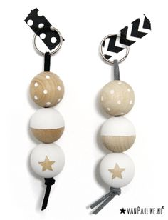van Pauline - Hippe wenskaarten! | Webwinkel Bead Crafts, Jewelry Crafts, Diy And Crafts, Christmas Decorations To Make, Christmas Diy, Diy Projects To Try, Craft Projects, Wooden Keychain, Bead Art