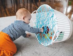 Montessori napady Montessori napady The post Montessori napady appeared first on Toddlers Ideas. Toddler Learning Activities, Baby Learning, Infant Activities, Preschool Activities, Baby Sensory Play, Baby Play, Baby Sensory Bags, Montessori Baby, Infant Classroom