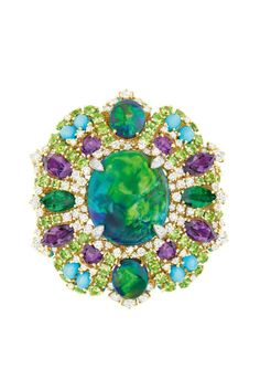 Dior Joaillerie's New Collection Looks Back in Time: A Fifties-inspired ring from Dior Joaillerie's Dear Dior collection