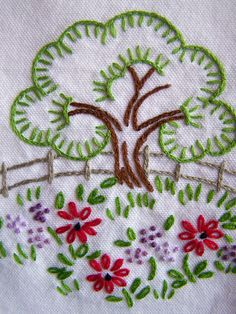 New embroidery designs by hand ideas pattern fun ideas New Embroidery Designs, Hand Embroidery Stitches, Vintage Embroidery, Ribbon Embroidery, Embroidery Art, Cross Stitch Embroidery, Machine Embroidery, Embroidered Towels, Needlework