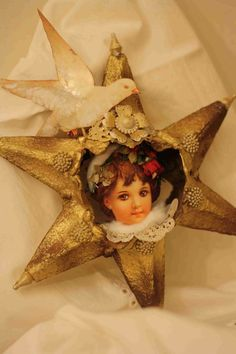 Christmas Star of the trays of eggs under