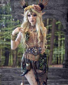 Renfair ideas in 2019 Fairy Cosplay, Elf Cosplay, Cosplay Dress, Elfa, Looks Halloween, Halloween Costumes, Fairy Costumes, Wood Elf Costume, Dark Fairy Costume