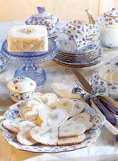 Tea Time in Blue & White: Image from a vintage Victoria magazine (June '98/'00)